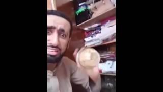 getlinkyoutube.com-أماراتي يفتش دولاب أمه ,, شوفو أيش حصل ! ياحليلها 😂
