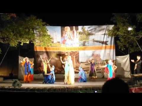 山下公園でインドの正月祭りディワリ