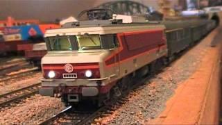 getlinkyoutube.com-Trains Miniatures - CC 6522 sonorisée ROCO