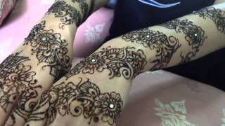 getlinkyoutube.com-Floral Bridal Henna Mehndi