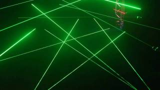 getlinkyoutube.com-Laser Labyrinth - Great Laser Maze game
