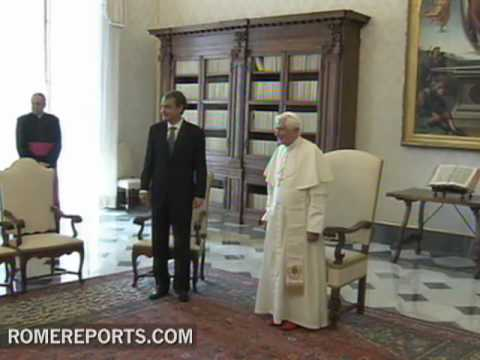 Pope Benedict XVI meets with Jos� Luis Rodr�guez Zapatero in the Vatican
