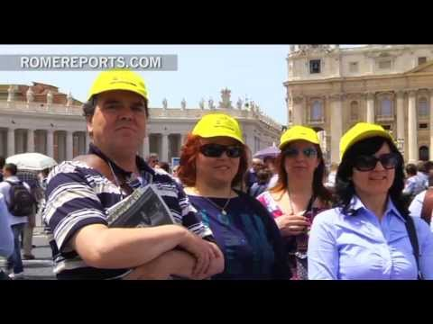 Group that follows the Byzantine Greek Rite comes to Rome to cheer on the Pope