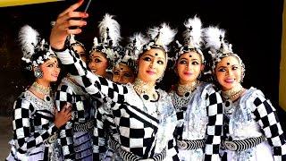 getlinkyoutube.com-Group Dance First  HS Sacred Heart Thrissur 2017