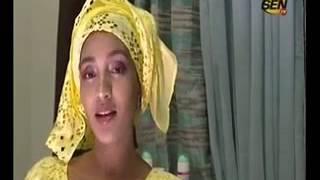 Regarder Le Ndogou de Adja Diallo en mode Yiiw