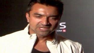 getlinkyoutube.com-Ajaz Khan ABUSES Kushal Tandon & Gauhar Khan in PUBLIC