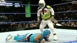 getlinkyoutube.com-WWE Velocity:Mascarita Sagrada VS. Tzuki