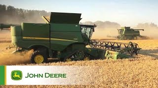 John Deere S-Series Combines - Field impression, Video 2