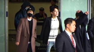 getlinkyoutube.com-EXO(엑소) Arrived Hong Kong Airport 20151201