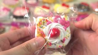 getlinkyoutube.com-Hello Kitty Squishy Cafe!