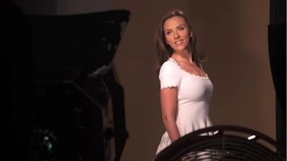 getlinkyoutube.com-スカーレット・ヨハンソンの輝く髪が美しい!「LUX」CMメイキング
