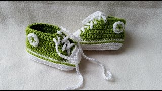 getlinkyoutube.com-Crocheting baby shoes - Sneakers for babies with subtitles Part 5/5 by BerlinCrochet
