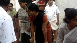 getlinkyoutube.com-Knanaya Vadam Vali(WOMENS CHAMPIONS)