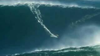 Rekor Dunia Surfing Garrett McNamara