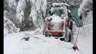 getlinkyoutube.com-Tractor Plowing First Snow of the 2016-17 Minnesota Winter