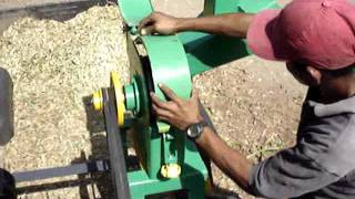 getlinkyoutube.com-PICADORA Y MOLINO DE MARTILLO JF-5