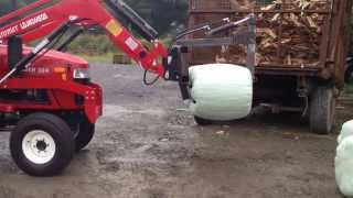 siromer 304 stacking bales with round bale squeezer