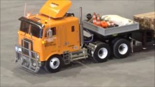 getlinkyoutube.com-Rc Trucks Heavy haulage and assembling of the Liebherr LR 1750