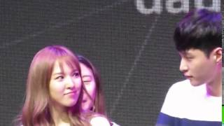 getlinkyoutube.com-EXO Lay and Red Velvet Wendy moment 2