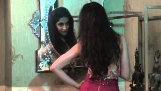 getlinkyoutube.com-Divya Khosla Kumar behind the Scene for MANDATE