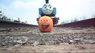 getlinkyoutube.com-The Stupid Orange In Meeting Thomas And Percy The Train