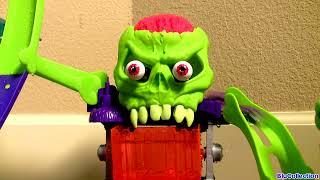 getlinkyoutube.com-Dr. Bones Color Lab Playset Color Shifters Cars Hot Wheels Track Review Pixar Color Changers Cars
