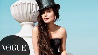 getlinkyoutube.com-Kareena Kapoor Khan's Sexy Photoshoot for Feburary 2013 Cover | Vogue February Cover