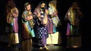 getlinkyoutube.com-Siti Nurhaliza - Zapin Kamaruzzaman (Zapin - Gema Zafana 2005)