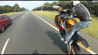 getlinkyoutube.com-Wheelie King Reece CBR1000RR Repsol