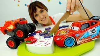 getlinkyoutube.com-Вспыш и Рык, Молния Маквин и игрушки Киндеры в видео для детей #ДетскийСад