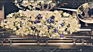 getlinkyoutube.com-Michael Jackson burial / The Gold Crown! (Funeral, Beerdigung) Final farewell