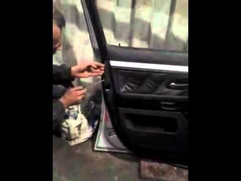 Как снять обшивку двери BMW 39