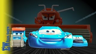 getlinkyoutube.com-Lightning McQueen DINOCO Race getting beat Chick hick Mater Frank chasing dream Disney Cars Toys