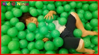 getlinkyoutube.com-Indoor Playground Family Fun GIANT BALL PIT Kids Video