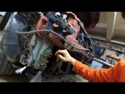 Расположение у Subaru Форестер реле омывателя лобового стекла