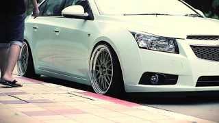 getlinkyoutube.com-Stanced Chevrolet Cruze | Low cars |