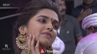 getlinkyoutube.com-Behind the Scenes of film 'Ram Leela' starring Ranveer Singh, Deepika Padukone, Priyanka Chopra