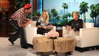 getlinkyoutube.com-Carrie Underwood Is One Rockin'Mama