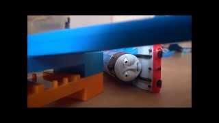 getlinkyoutube.com-ゴードンだっせん たすけるトーマス Thomas The Tank Engine - Gordon's Tragedy