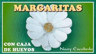 MARGARITAS REALIZADAS CON CAJAS DE HUEVOS