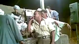 getlinkyoutube.com-بالفيديو : شاهد فن الكف الصعيدى ومبارزة غنائية