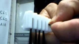 getlinkyoutube.com-Express Hair - Colocando mechas no pente 3º passo
