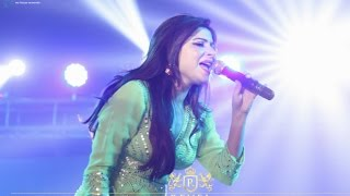 getlinkyoutube.com-KANIKA KAPOOR LIVE IN CONCERT EVENT BY REVEL