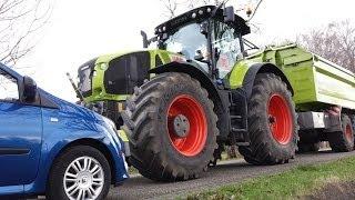 getlinkyoutube.com-CRASH Claas Axion 950 vs twingo, MAISERNTE Unfall, AGRIbumper tractorbumper Unterfahrschutz