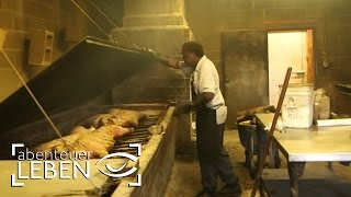 getlinkyoutube.com-The North Carolina Barbecue Trail - Legends and Revolutionary (OV)
