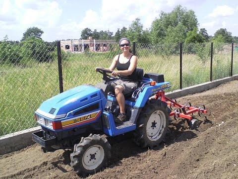 KOBIETY na TRAKTORY ! mini traktorek ISEKI TU 155D. www.akant-ogrody.pl