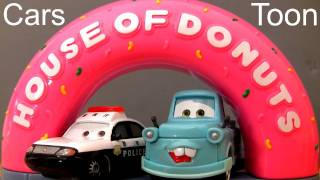 getlinkyoutube.com-Cars Toon House of Donuts Track Playset Tokyo Mater Disney Pixar Toys review by Blucollection