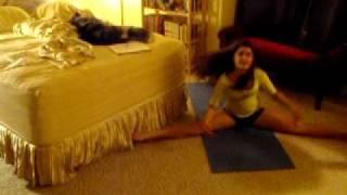 getlinkyoutube.com-How to learn the splits