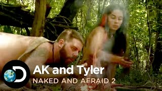 getlinkyoutube.com-AK And Tyler Fend Off Mosquitoes | Naked And Afraid 2