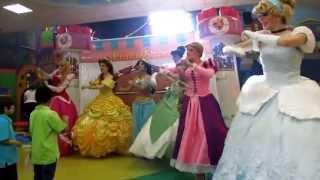 getlinkyoutube.com-PrincesShow Show de Princesas en Monterrey : Cenicienta - Rapunzel - Mérida - Jazmín